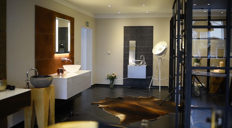Design-Dekore veredeln auch Ihre Räumlichkeiten mit ausgefallenen Rückwänden.